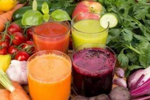 Меню вегана состоит из овощных супов, каш, соков, смузи, овощей, фруктов