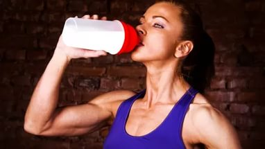 Сколько в день принимать протеина