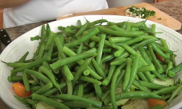 картофельный салат со спаржевой фасолью